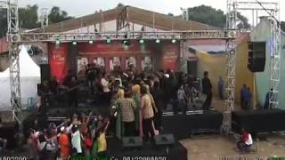 Jelita feat Dera dan Resti Tiwtiw - Tiada Guna