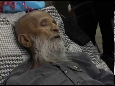 EDHI REFUSES TO GO ABORAD   Abdul Sattar Edhi (видео)