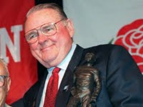 Keith Jackson, legendary college football announcer, dies at 89