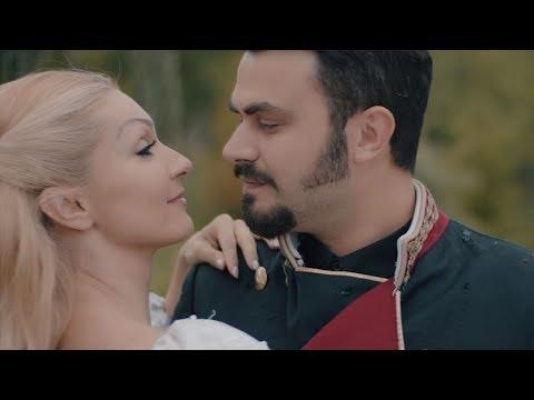 Premierë: Asim Gashi publikon videoklipin 'Mirëmbrëma' (Video)