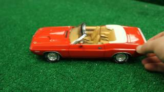 GreenLight Collectibles 1/18 1970 Dodge Challenger R/T Convertible
