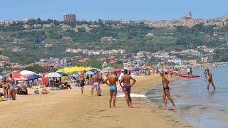 Vasto Italy  city pictures gallery : Beach in Vasto, Adriatic coast, Italy