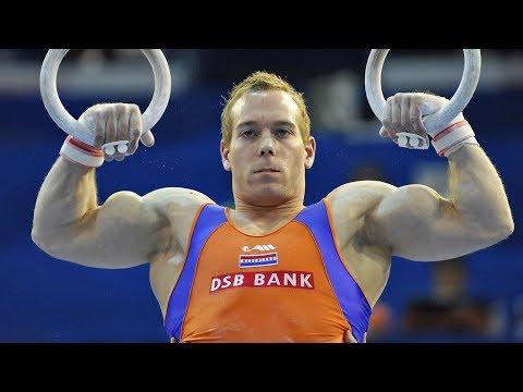 Самый накаченный и скандальный гимнаст в мире - DomaVideo.Ru