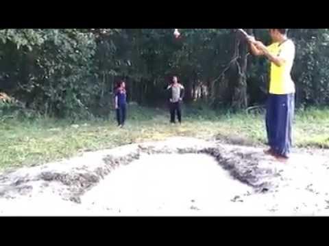 Thanh niên chơi lầy