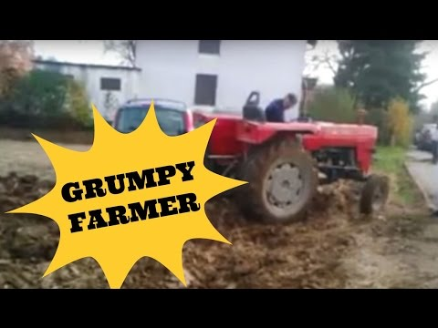 Фермер вскопал поле вокруг парковщиков-нарушителей