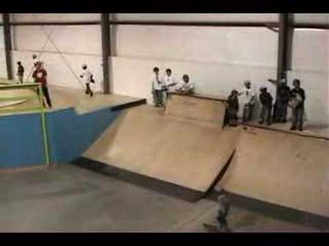 8 yr old skater Clay Dougherty hits a 7 ft. ledge @ Plex Ind