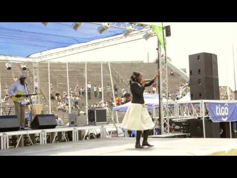 LOLA KIALA - Africa Tour 2014