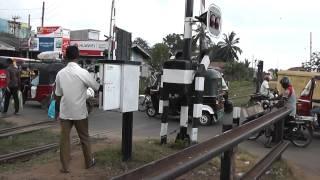 Chilaw Sri Lanka  city images : Chilaw (Sri Lanka) rail crossing