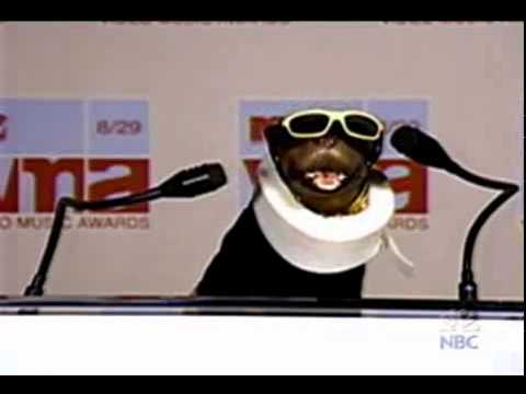 Triumph, the Insult Comic Dog vs. Eminem at MTV Music Awards
