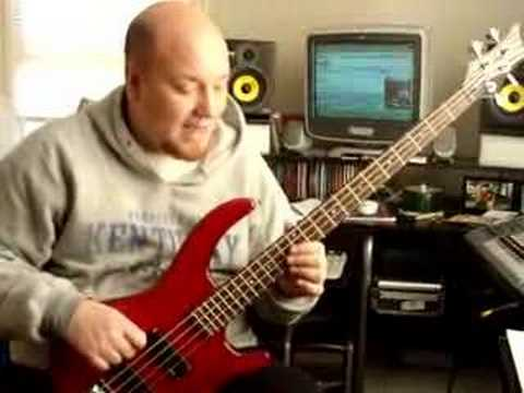 Learning the fretboard on the bass guitar