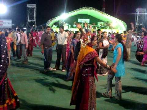 Video Team NriGujarati.Co.In Playing Garba in Surbhi Group Navratri Mahotsav 2009 Rajkot in Gujarat India download in MP3, 3GP, MP4, WEBM, AVI, FLV January 2017