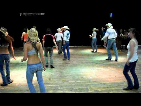 Country girl (shake it) By: Luke Bryan. line dance