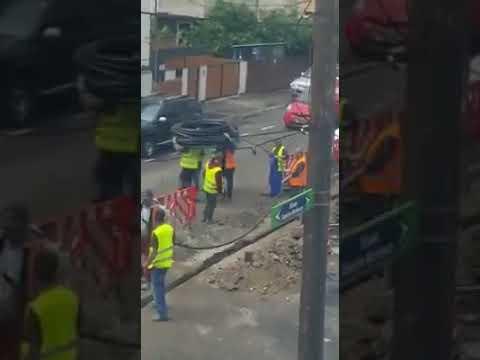 Takiej grupowej pracy robotników to chyba jeszcze nikt nie widział