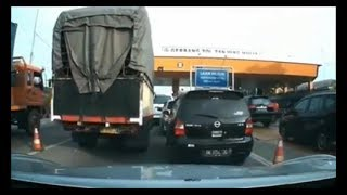 Video Bad Driving Indonesian Compilation #13 Dash Cam Owners Indonesia MP3, 3GP, MP4, WEBM, AVI, FLV November 2018