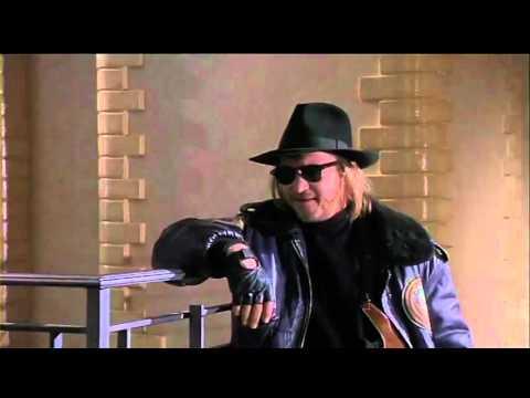 Batman (1989)- Danzi mai col diavolo nel pallido plenilunio? (видео)