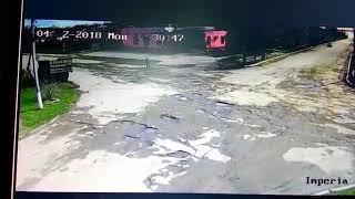 Сьогодні у Єланці п'яний водій врізався в електроопору. Відео