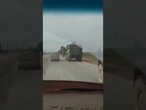 Броневик США толкается на дороге с российским Тигром