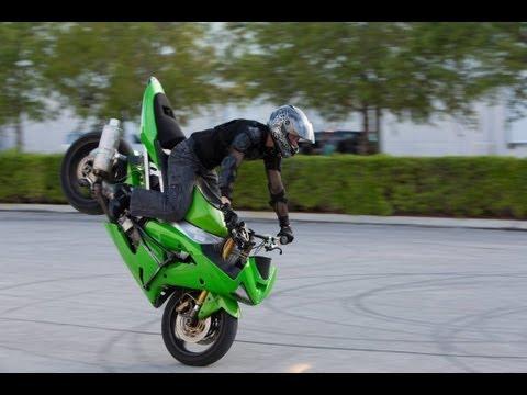 Motorcycle stunts – Andrew Hoffman