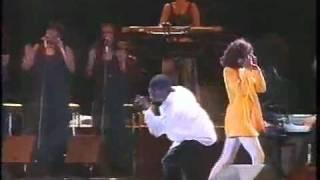 Whitney Houston & Bobby Brown - Something In Common - Live in Brazil - Part 11