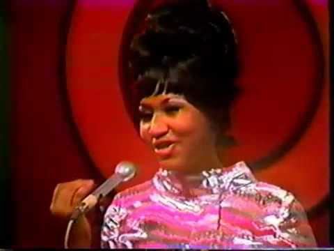 Tekst piosenki Aretha Franklin - You make me feel (like a natural woman) po polsku