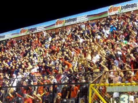 FÚTBOL NACIONAL: Barra alajuelense, La Doce, alentando a su equipo - La 12 - Alajuelense