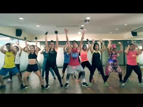 Sayaw Kikay - Viva Hot Babes | Zumba Fitness™ | #ZumbaWithTHELEGENDZ (видео)