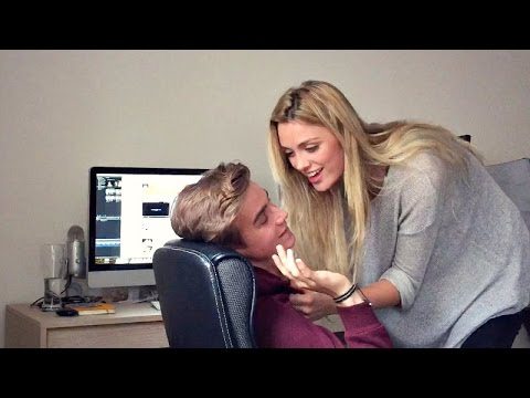 Pranks - I got an actress to be my girlfriend and prank my roommate. - Joe's prank on me: http://youtu.be/XZc0Q872ww0 - Wallis's Twitter (the actress): http://twitter.com/wallisday Find Wallis: YouTube:...