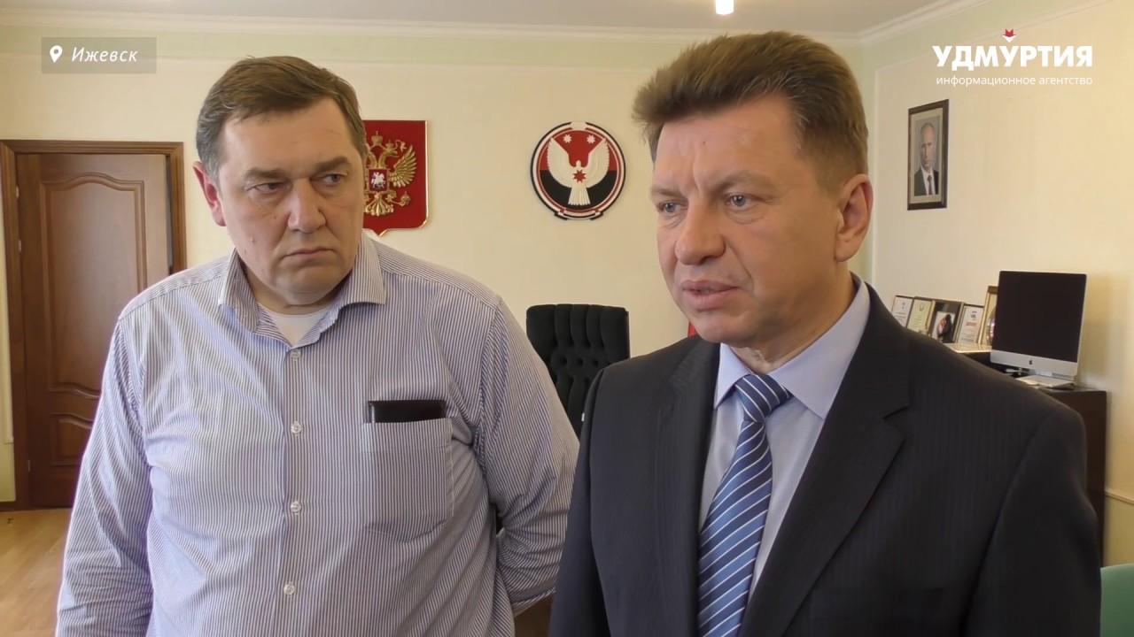 Встреча и.о. председателя правительства Удмуртии Виктора Савельева с дальнобойщиками