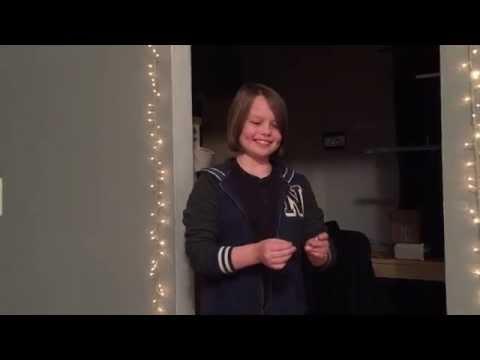 Esta niña hace que desaparezca la moneda ante tus ojos
