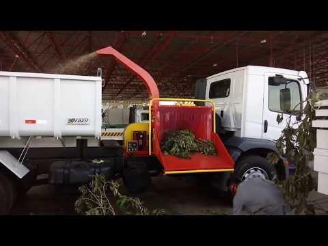 Picador / triturador de galhos - PDU 200 C - Montado num caminhão