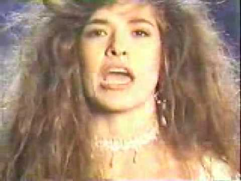 Me Siento Tan Sola - Gloria Trevi (Video)
