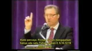 Ahmed Deedat : Teka Teki Tuhan Trinitas di Dalam Kristen