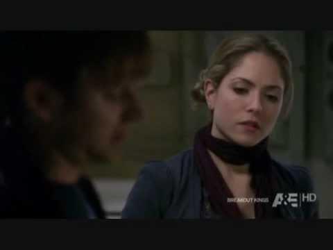 Lloyd and Julianne (Breakout Kings) : Every Little Thing