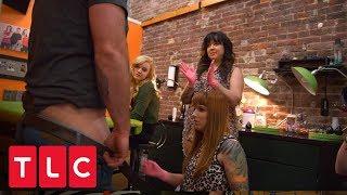 ¡Quiere tatuarse AHÍ! Sí... ahí   Las tatuadoras   TLC Latinoamérica
