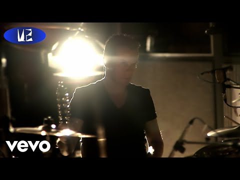 U2 - I Believe In Father Christmas (Official Music Video)