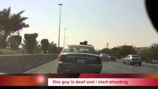 طبيب طوارئ استرالي يوثق معاناتهم اليومية بشوارع الرياض