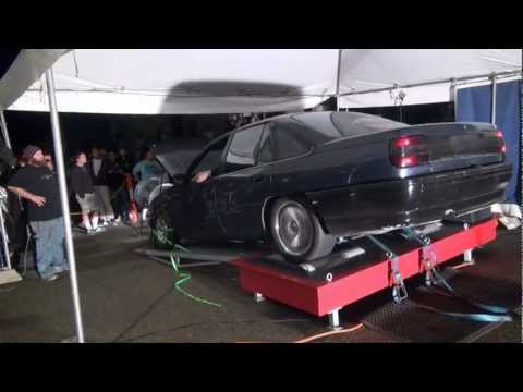Turbocharged VN Commodore snaps driveshaft on the dyno