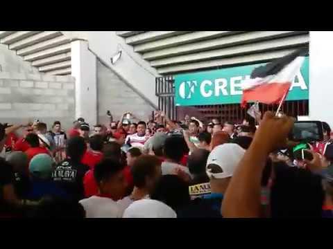La hinchada de CHACARITA💖 !!! BOSTERO PUTO SOS CAGON.....🎶 - La Famosa Banda de San Martin - Chacarita Juniors