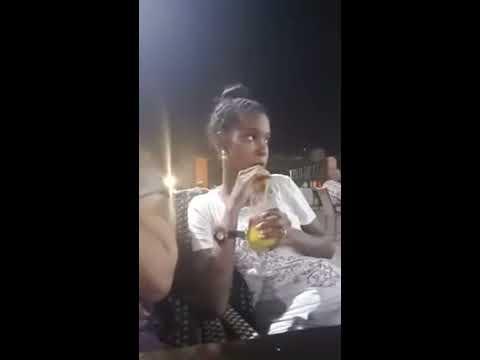 فتيات سودانيات يصورن فيديو مثير للجدل بملابس فاضحة داخل أحد المطاعم بالخرطوم والقوات النظامية تلقي القبض عليهن أثناء التصوير