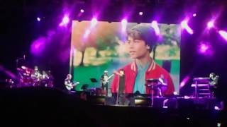 Video Harris J ( Salam Alaikum) live in Singapore Indoor Stadium MP3, 3GP, MP4, WEBM, AVI, FLV Maret 2018