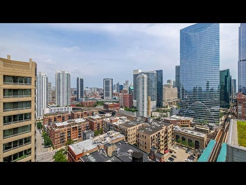 A West Loop 3-bedroom, 3-bath with great views at 180 North Jefferson