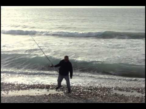דיגים בחוף דדו בחיפה-דגים דגי דניס
