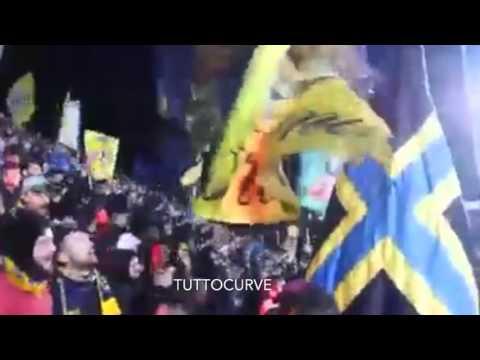 Ultras Frosinone accolgono la squadra più tifo in curva