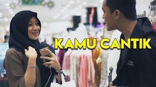 Video Cantik!! Prank Gombalin Cewek Cantik Gak Kenal | Awan Kinton Gombalin Cewek Part 5 | Prank Indonesia MP3, 3GP, MP4, WEBM, AVI, FLV Februari 2019