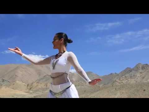 Video Meher Malik - Aayat ( Bajirao Mastani) download in MP3, 3GP, MP4, WEBM, AVI, FLV January 2017