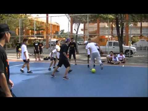 TS2 (Thailand Street Style) ทัวร์ มัธยมวัดบึงทองหลาง ภาค สตรีทฟุตบอล (видео)