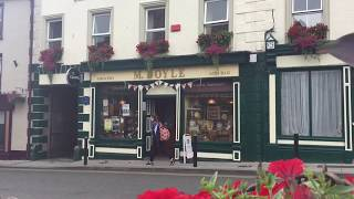 Download Lagu Traditional Irish Music Session in Mick Doyles Pub, Graignamanagh, County KIlkenny, Ireland Mp3