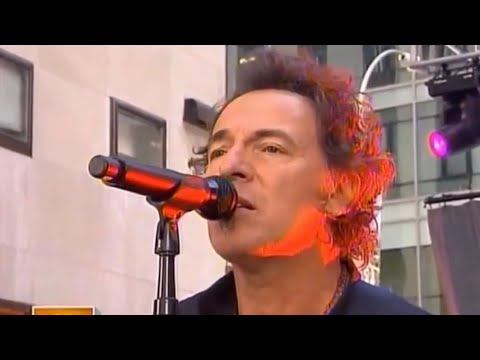 Long Walk Home - Bruce Springsteen (live at Rockefeller Center, New York City 2007)