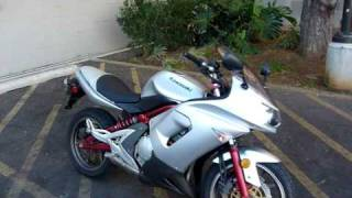 8. 2006 Kawasaki Ninja 650r in Silver & Red 100514