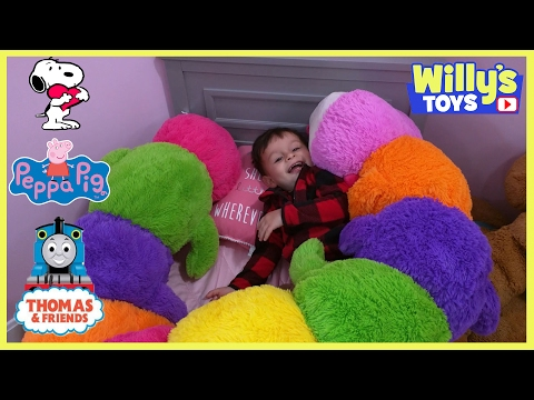 Toy Isle Fun with PEPPA PIG Thomas Train SNOOPY CAR RIDE Hot Wheels Bed at Babies R Us Willy's Toys